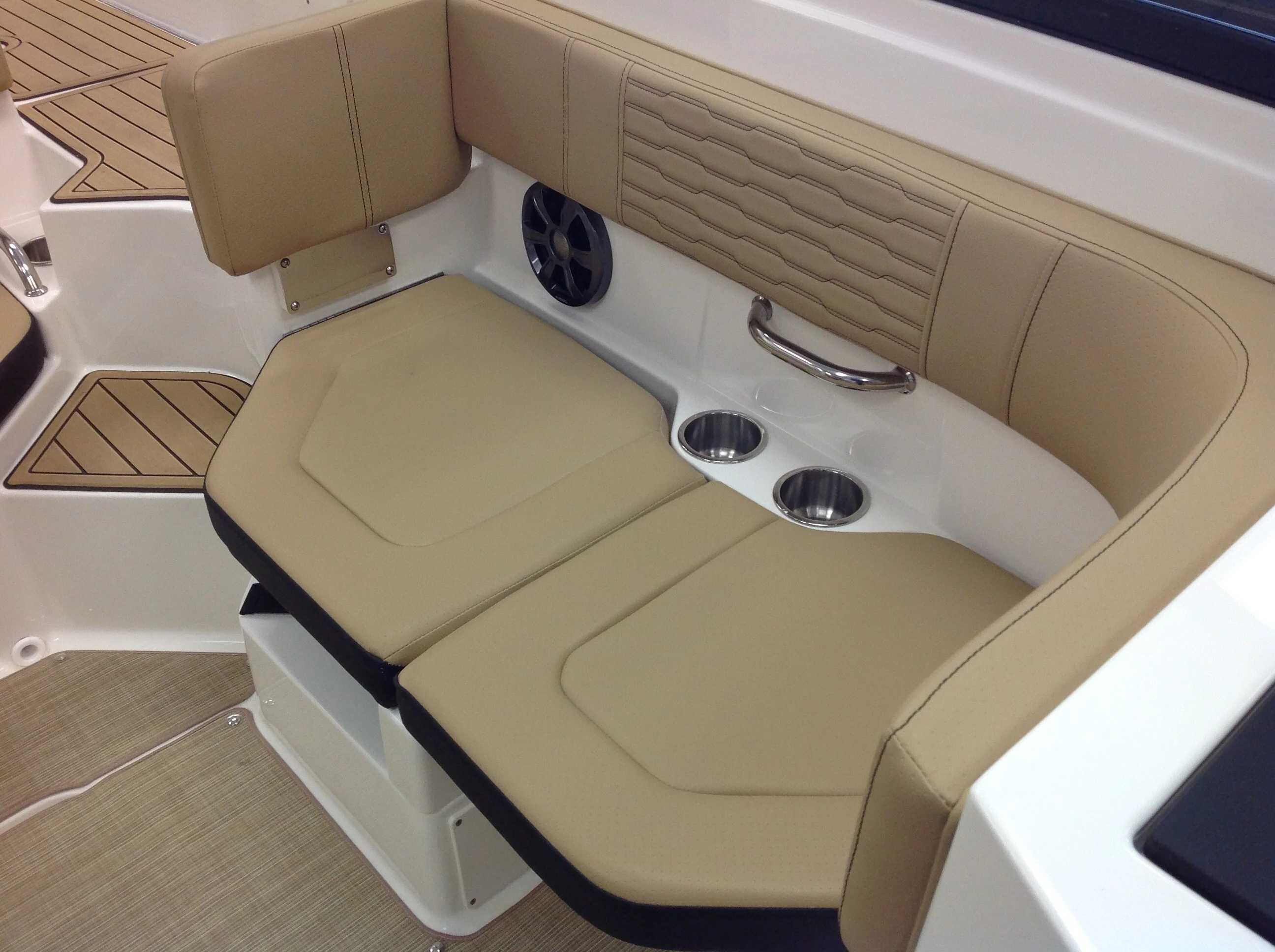 2021 Sea Ray boat for sale, model of the boat is 190 SPX & Image # 8 of 12