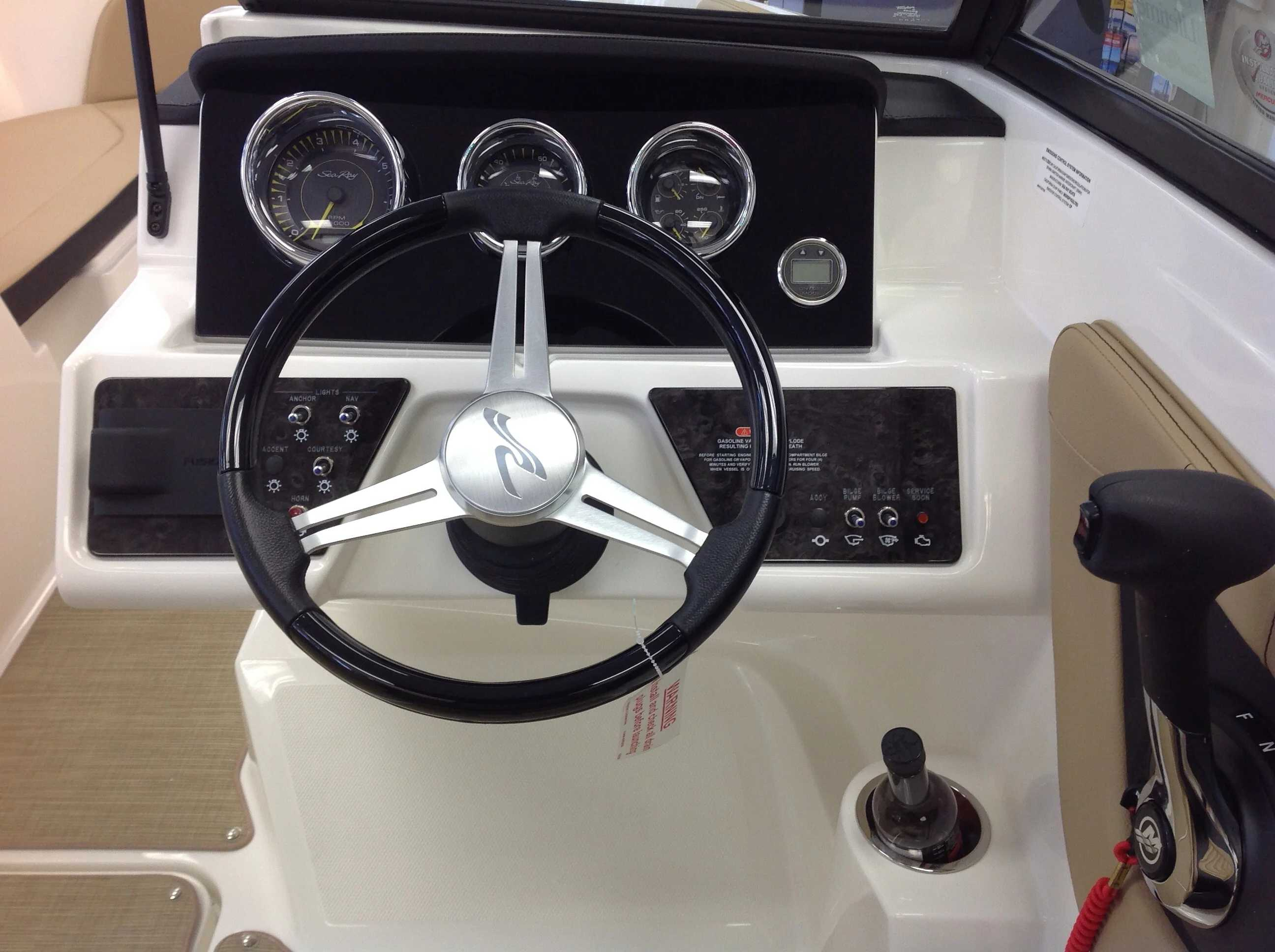 2021 Sea Ray boat for sale, model of the boat is 190 SPX & Image # 7 of 12