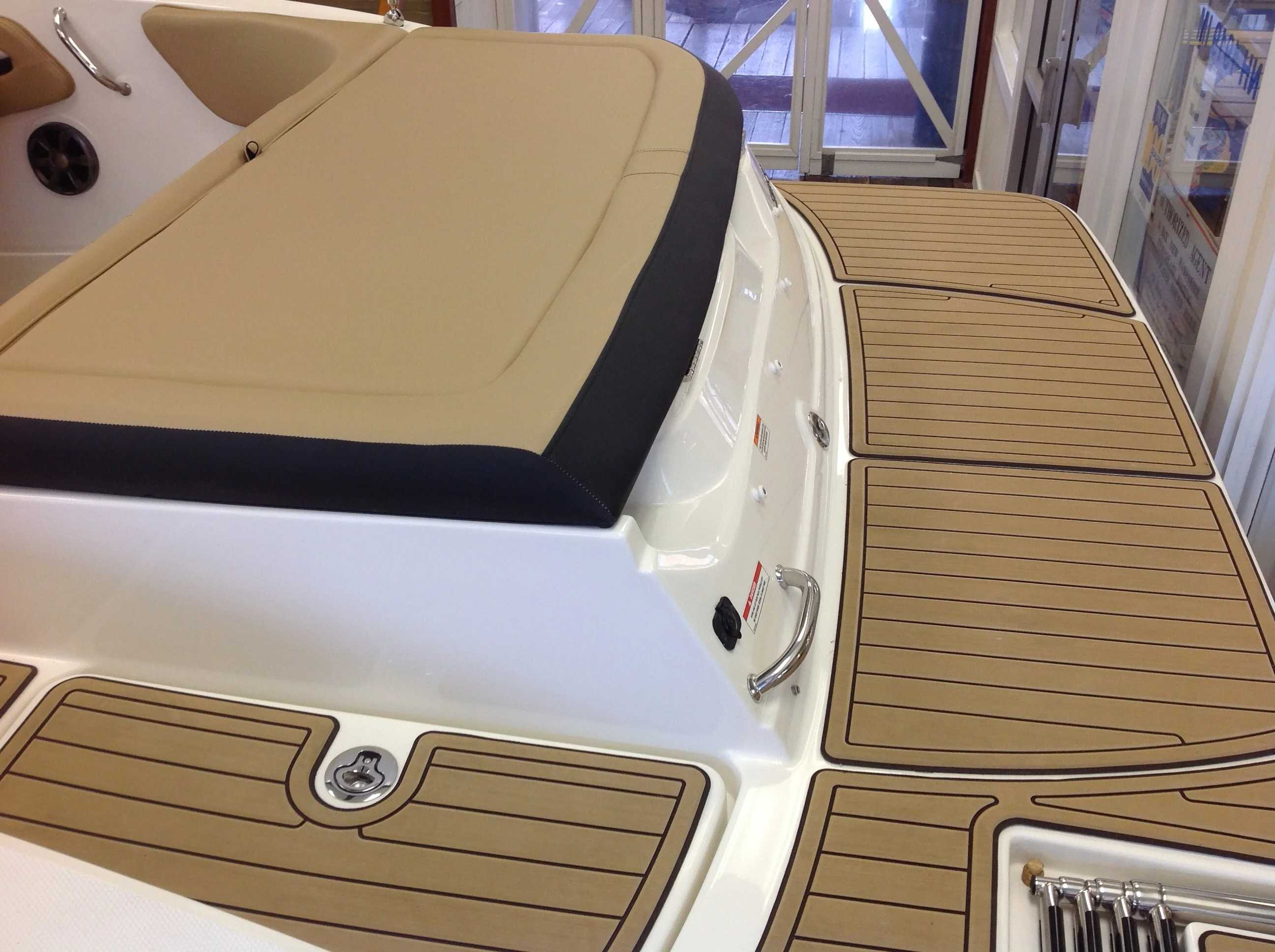 2021 Sea Ray boat for sale, model of the boat is 190 SPX & Image # 12 of 12