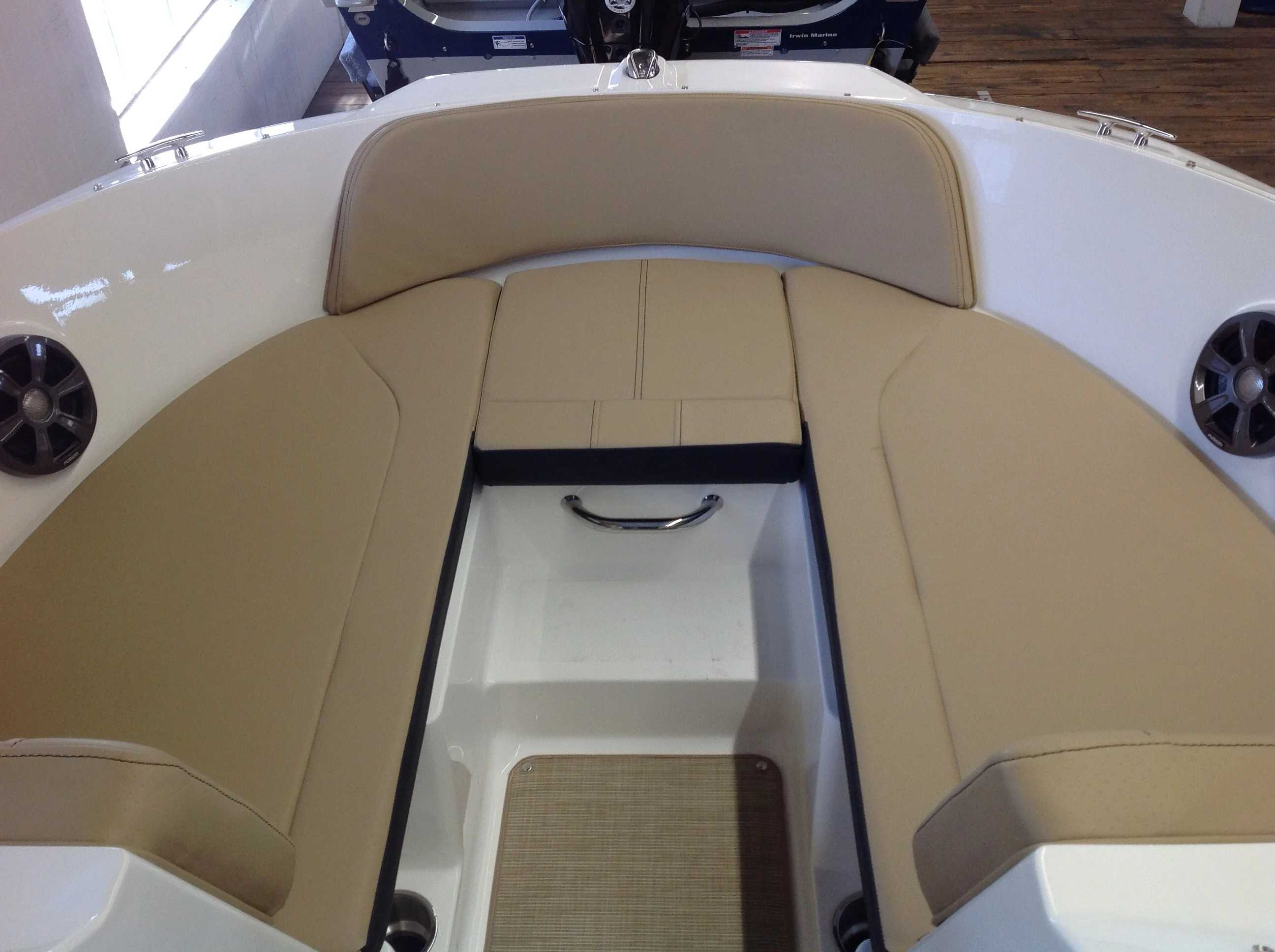 2021 Sea Ray boat for sale, model of the boat is 190 spxo & Image # 6 of 14