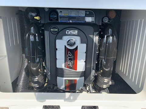 2021 Sea Ray boat for sale, model of the boat is 210SPX & Image # 7 of 7