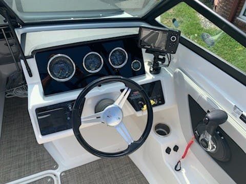 2021 Sea Ray boat for sale, model of the boat is 210SPX & Image # 4 of 7