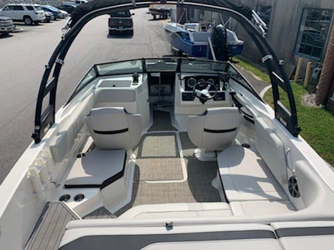 2021 Sea Ray boat for sale, model of the boat is 210SPX & Image # 5 of 7