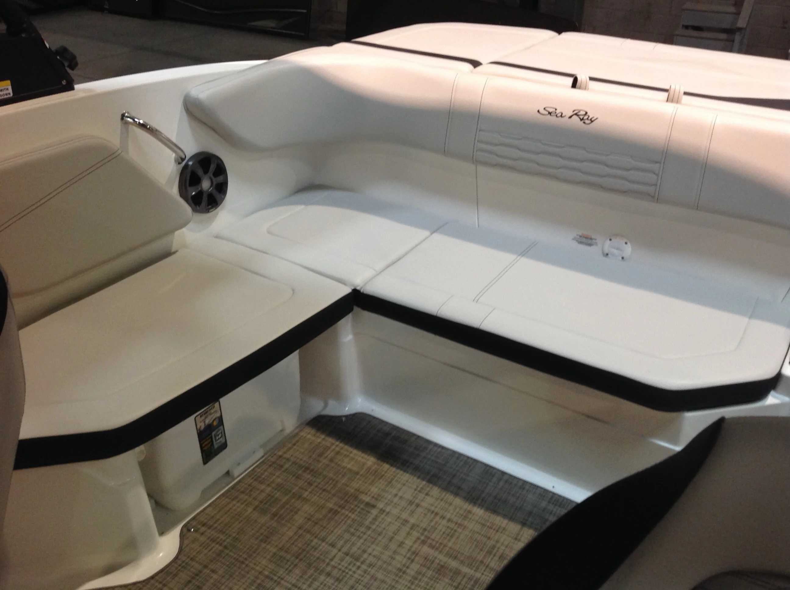2021 Sea Ray boat for sale, model of the boat is 210 SPX & Image # 8 of 12