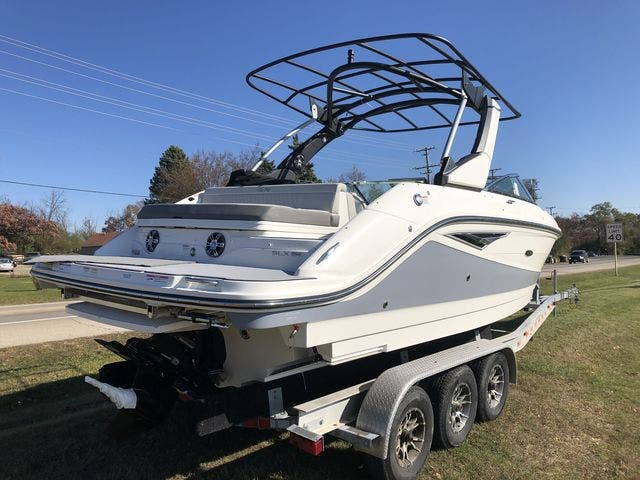 2021 Sea Ray boat for sale, model of the boat is 250SLX & Image # 3 of 20
