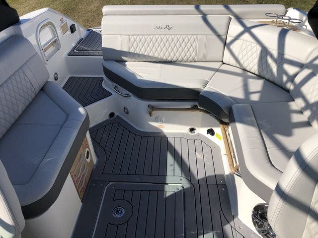 2021 Sea Ray boat for sale, model of the boat is 250SLX & Image # 4 of 20