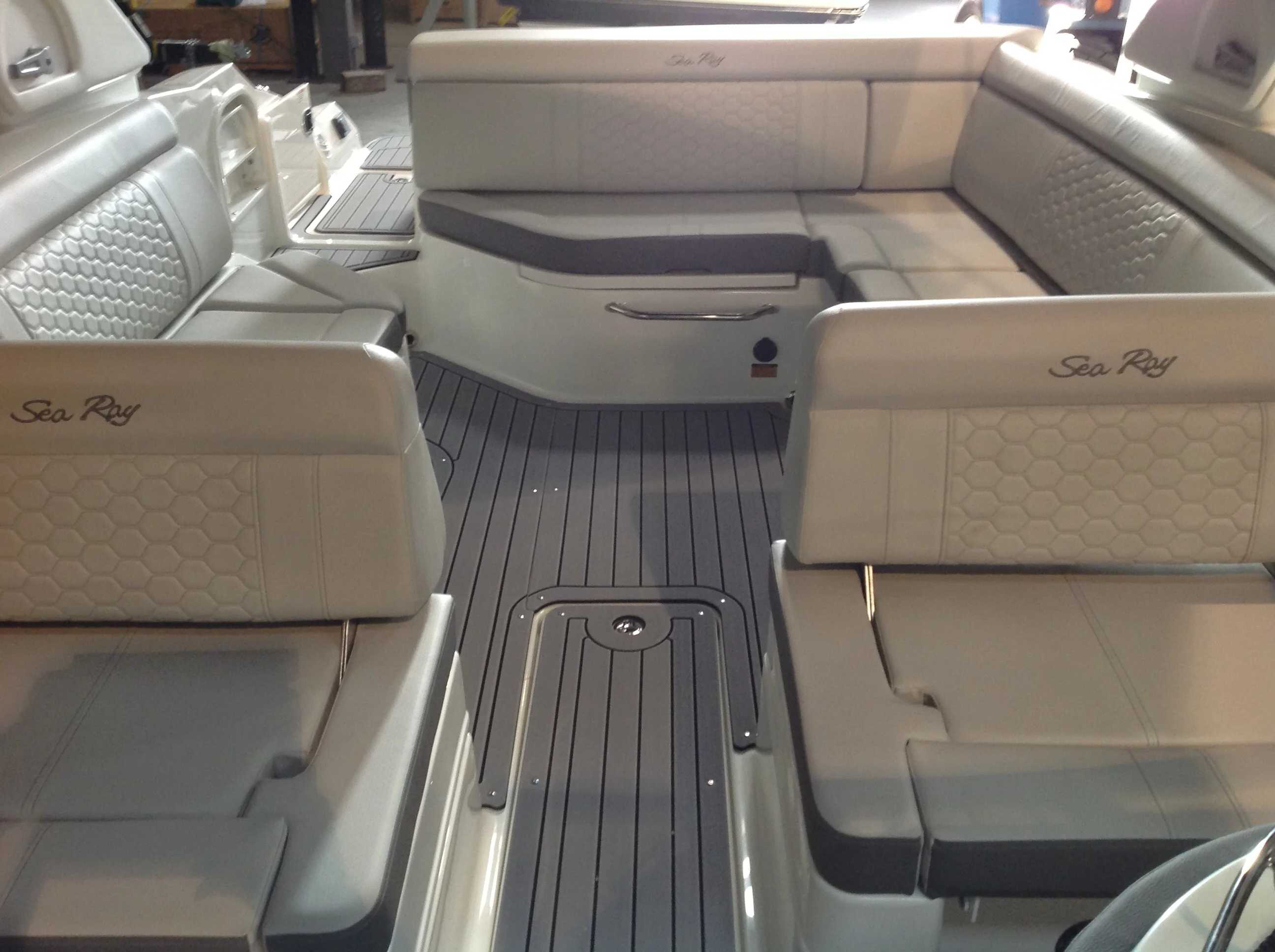 2021 Sea Ray boat for sale, model of the boat is 270 SDX & Image # 9 of 21