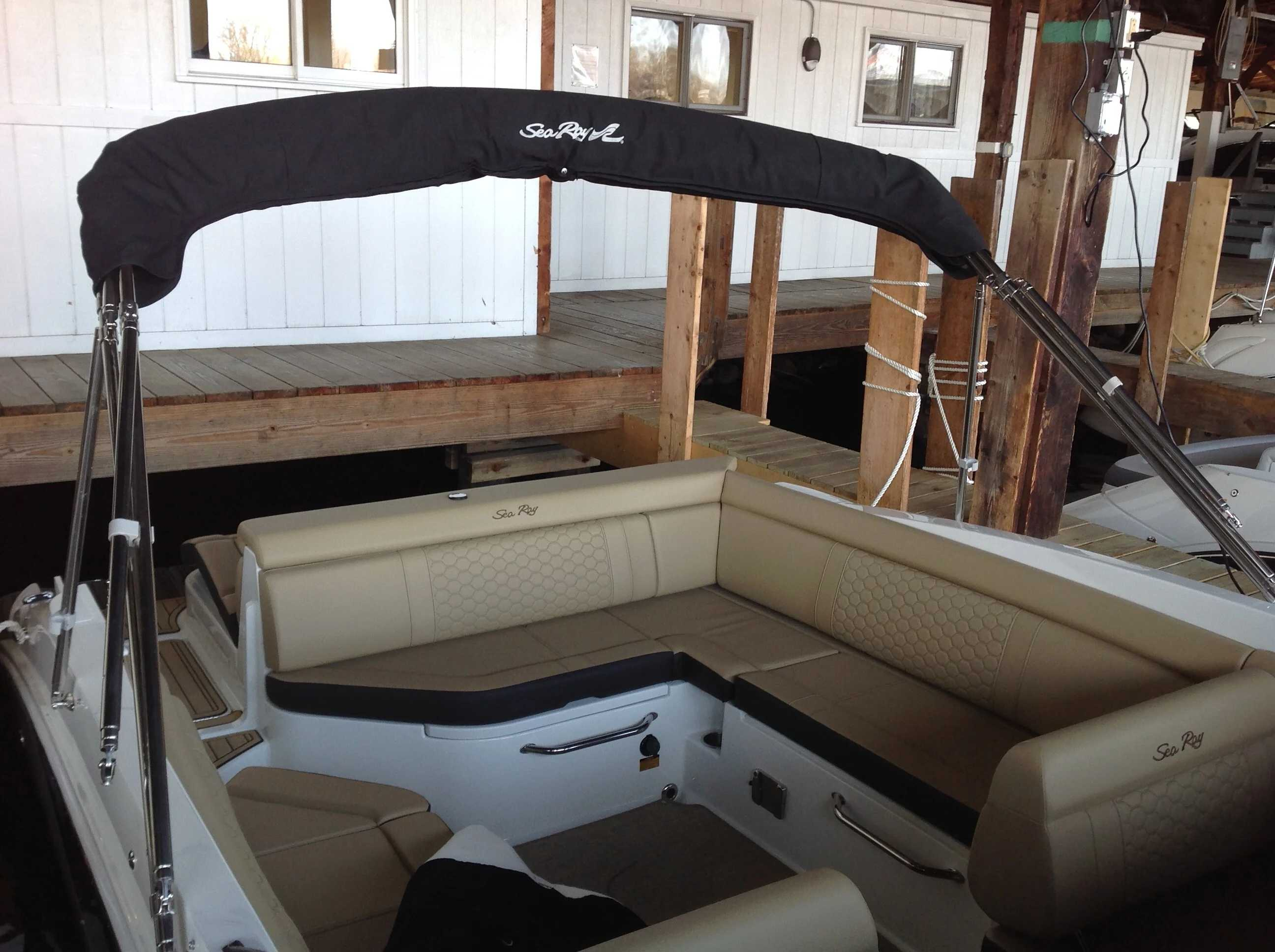 2021 Sea Ray boat for sale, model of the boat is 270 SDX & Image # 14 of 15