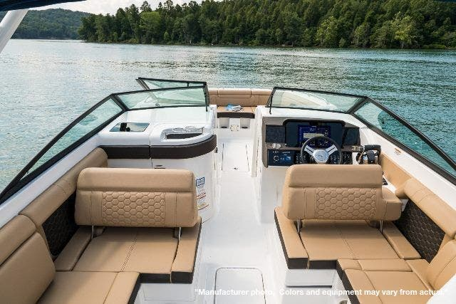 2021 Sea Ray boat for sale, model of the boat is 290SDXO & Image # 7 of 10