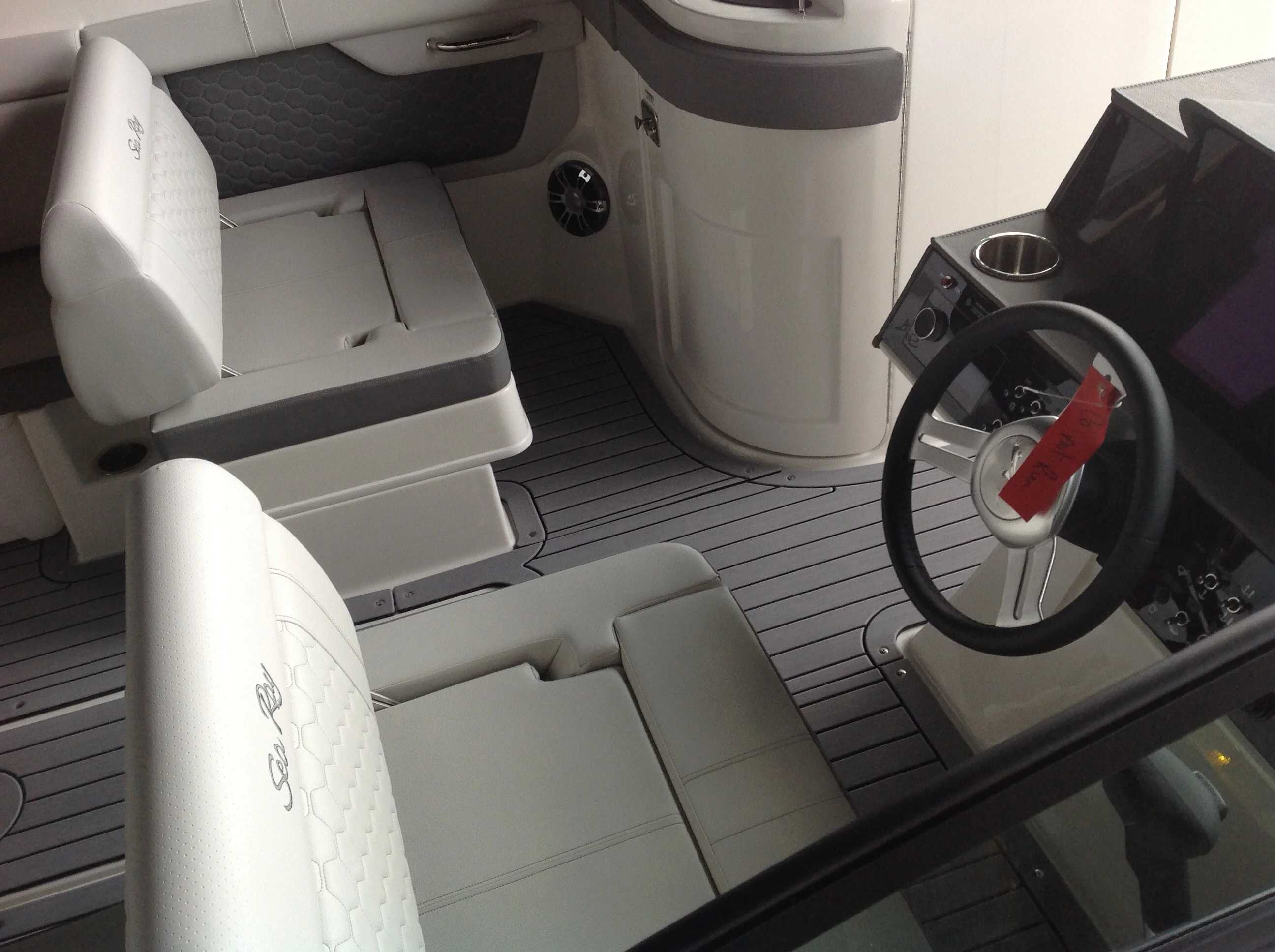 2021 Sea Ray boat for sale, model of the boat is 290 sdx & Image # 3 of 12