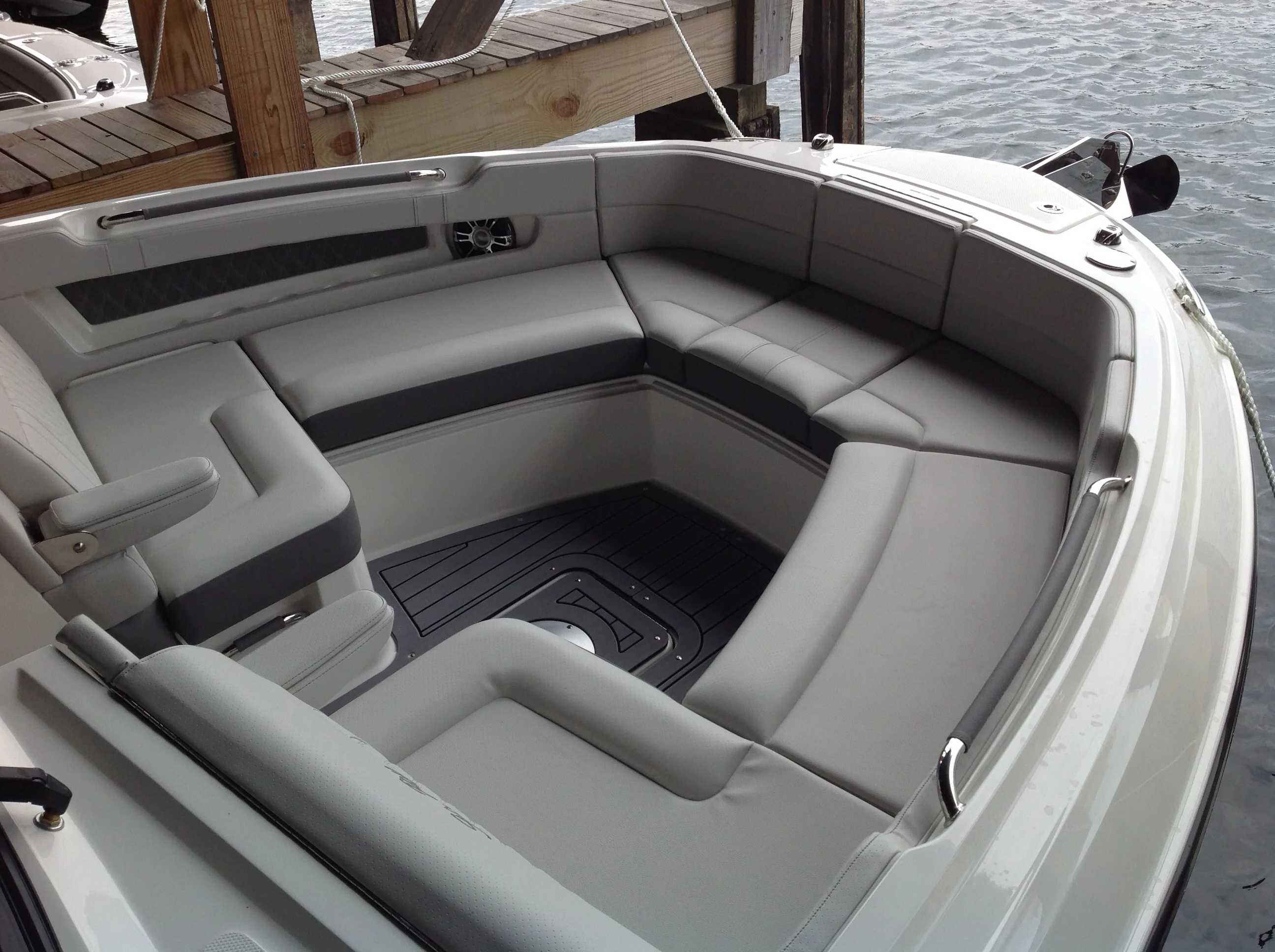 2021 Sea Ray boat for sale, model of the boat is 310 SLX & Image # 4 of 20