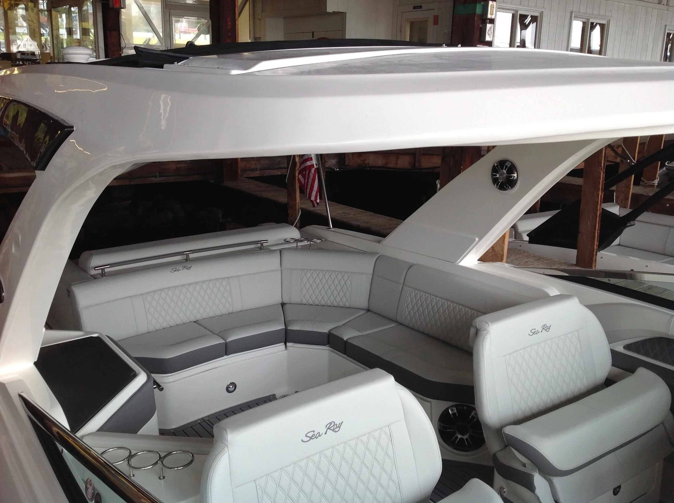 2021 Sea Ray boat for sale, model of the boat is 310 SLX & Image # 14 of 20