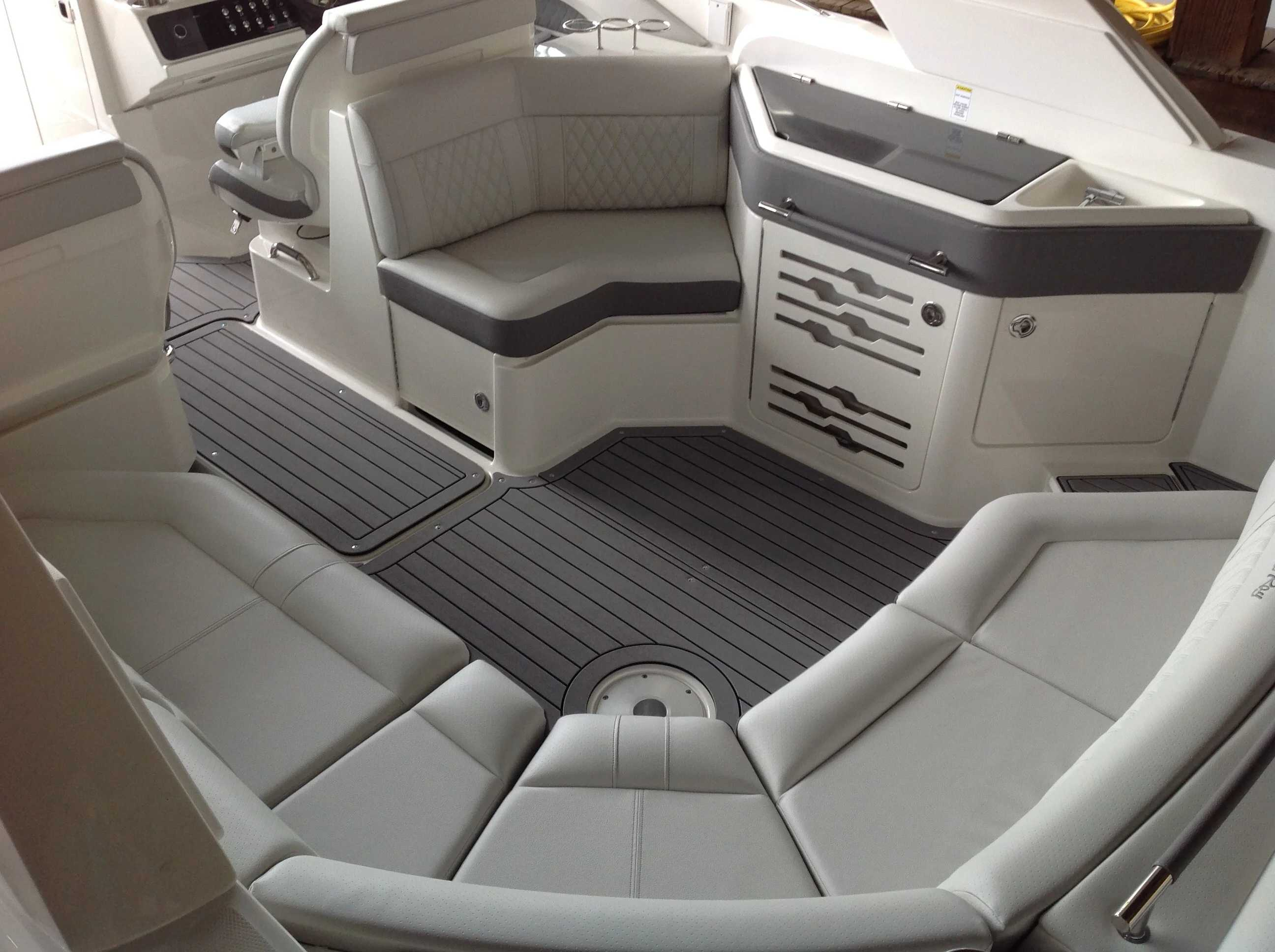 2021 Sea Ray boat for sale, model of the boat is 310 SLX & Image # 17 of 20