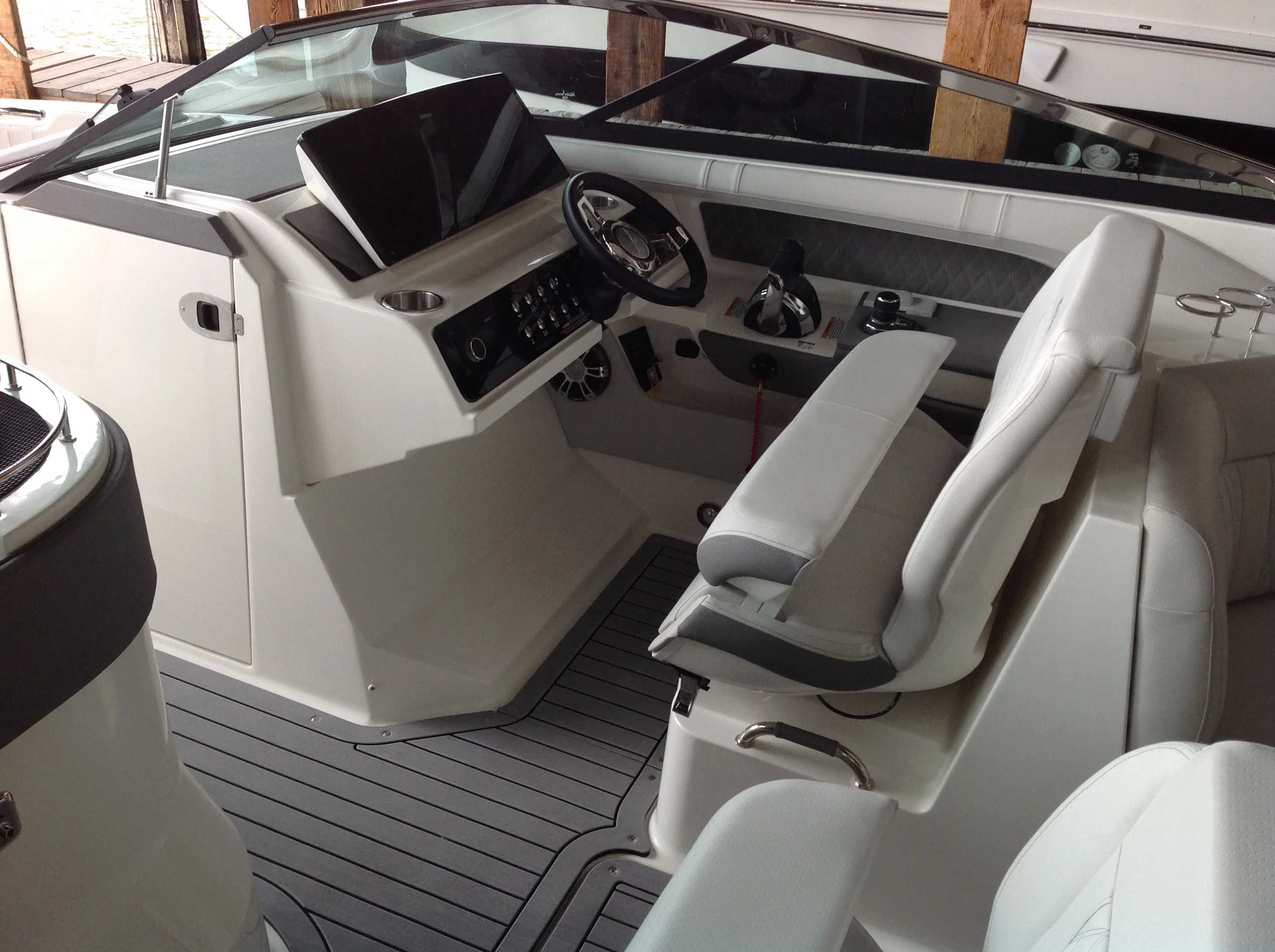 2021 Sea Ray boat for sale, model of the boat is 310 SLX & Image # 8 of 20
