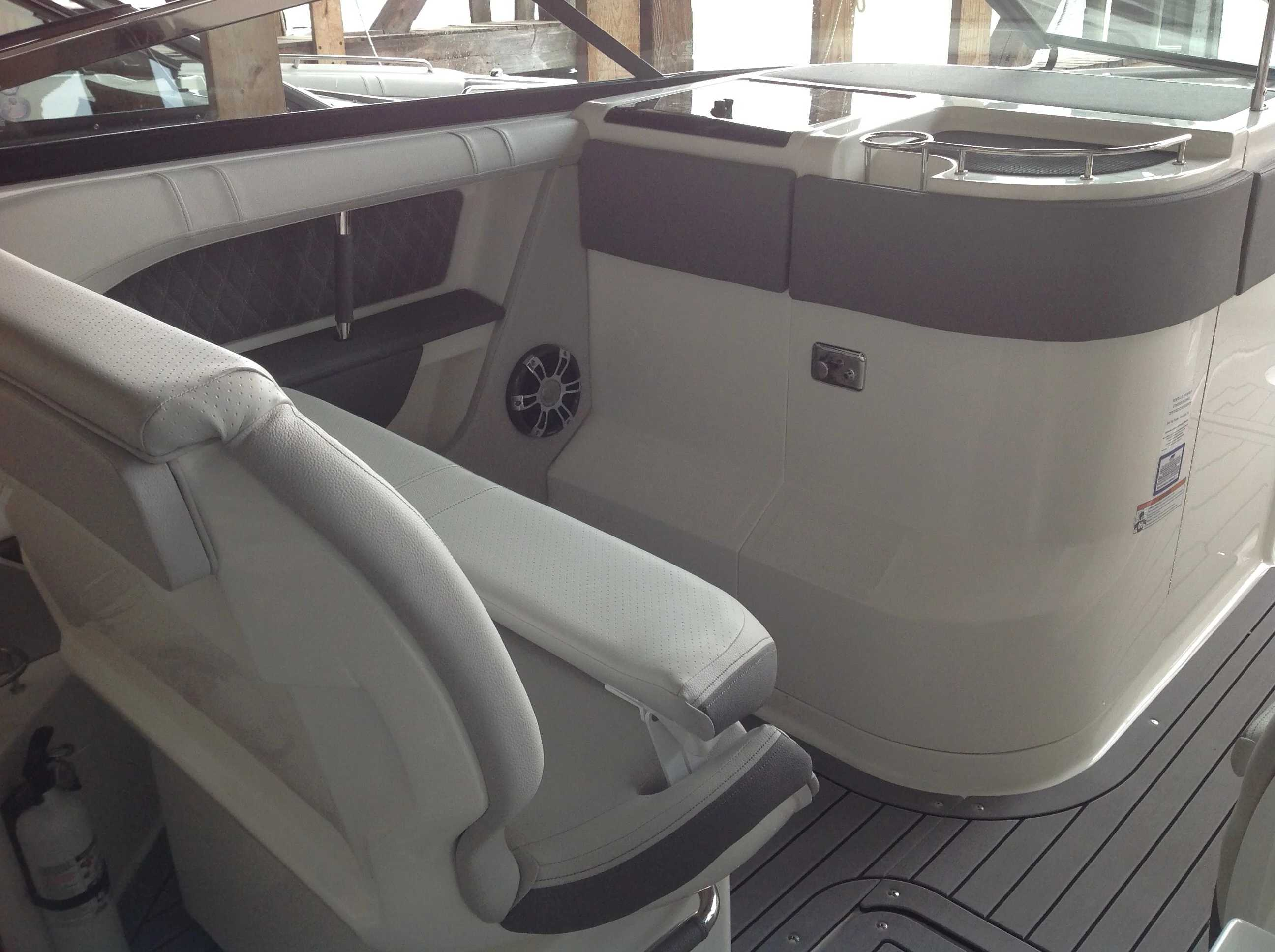 2021 Sea Ray boat for sale, model of the boat is 310 SLX & Image # 12 of 20