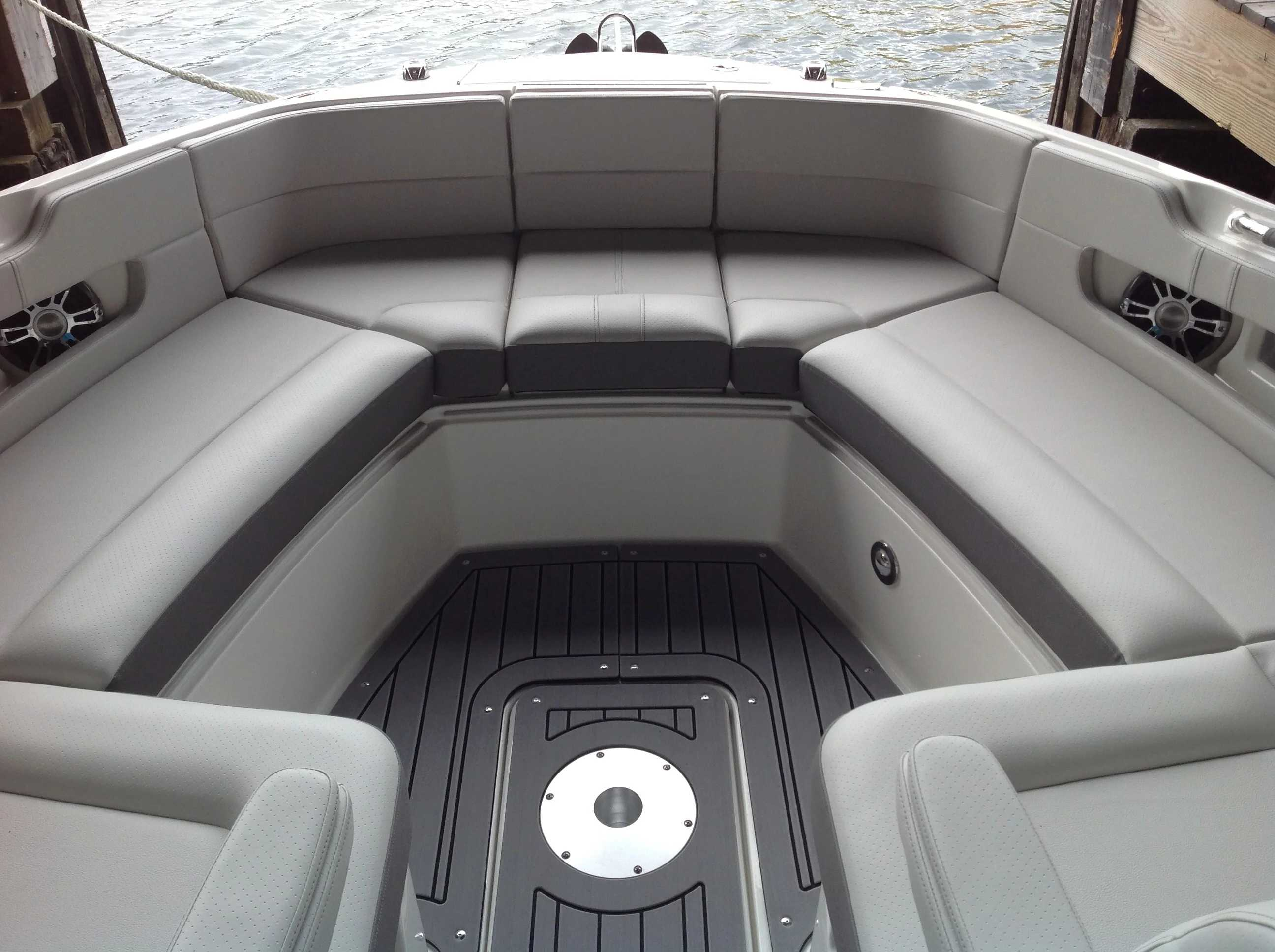 2021 Sea Ray boat for sale, model of the boat is 310 SLX & Image # 5 of 20