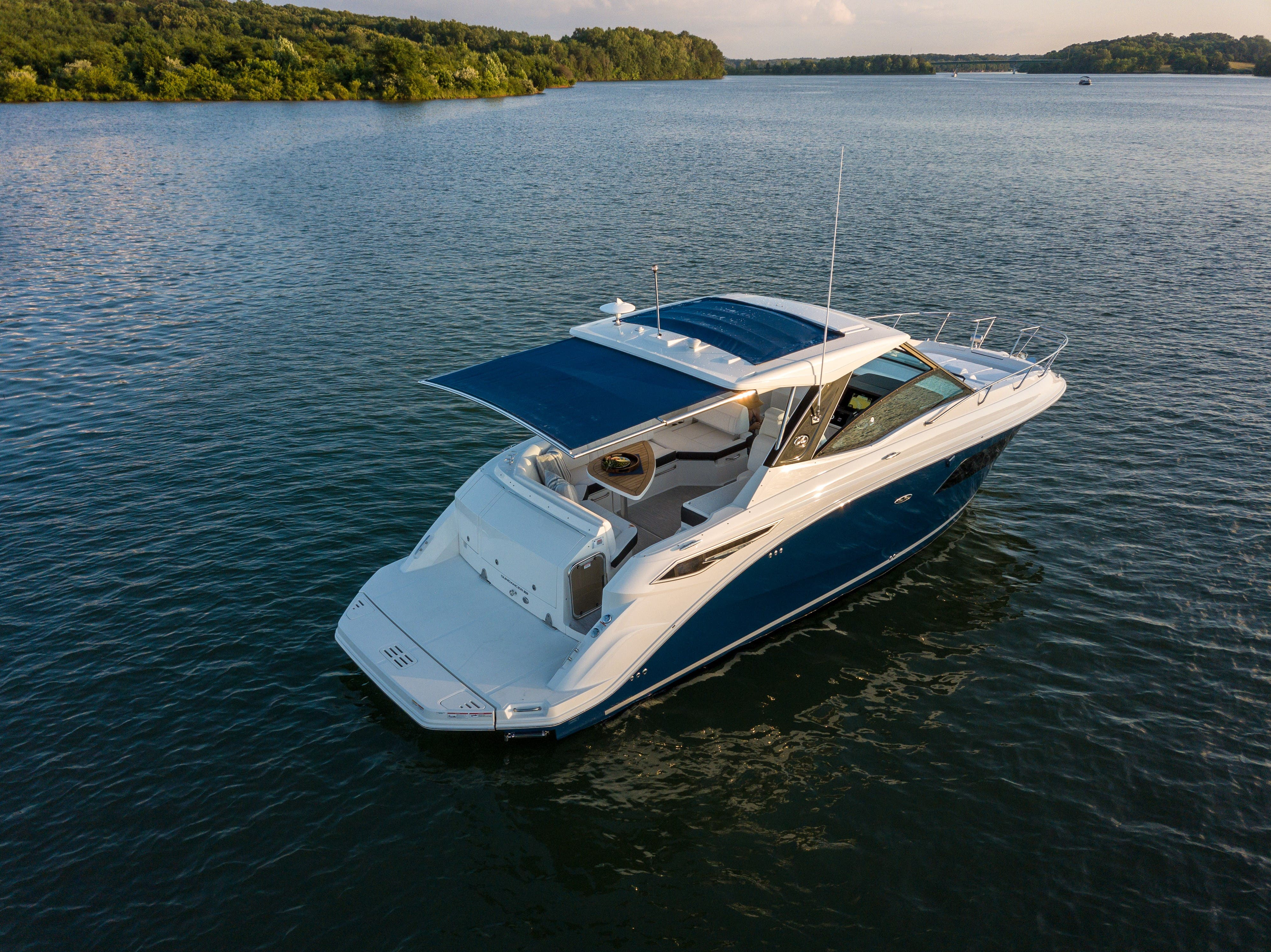 2021 Sea Ray boat for sale, model of the boat is 320 Sundancer & Image # 7 of 31