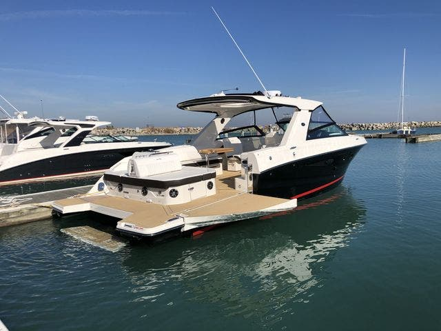 2021 Sea Ray boat for sale, model of the boat is 400SLX & Image # 5 of 49