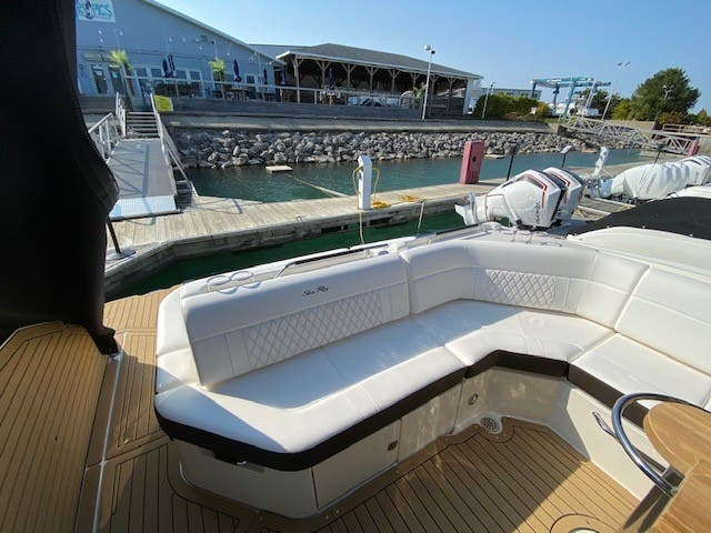 2021 Sea Ray boat for sale, model of the boat is 400SLX & Image # 10 of 49