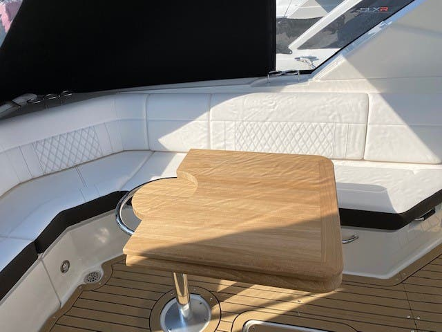 2021 Sea Ray boat for sale, model of the boat is 400SLX & Image # 13 of 49