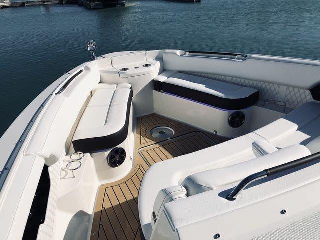 2021 Sea Ray boat for sale, model of the boat is 400SLX & Image # 20 of 49