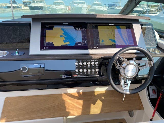 2021 Sea Ray boat for sale, model of the boat is 400SLX & Image # 31 of 49