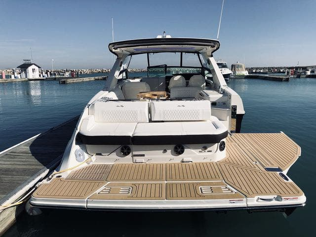 2021 Sea Ray boat for sale, model of the boat is 400SLX & Image # 47 of 49