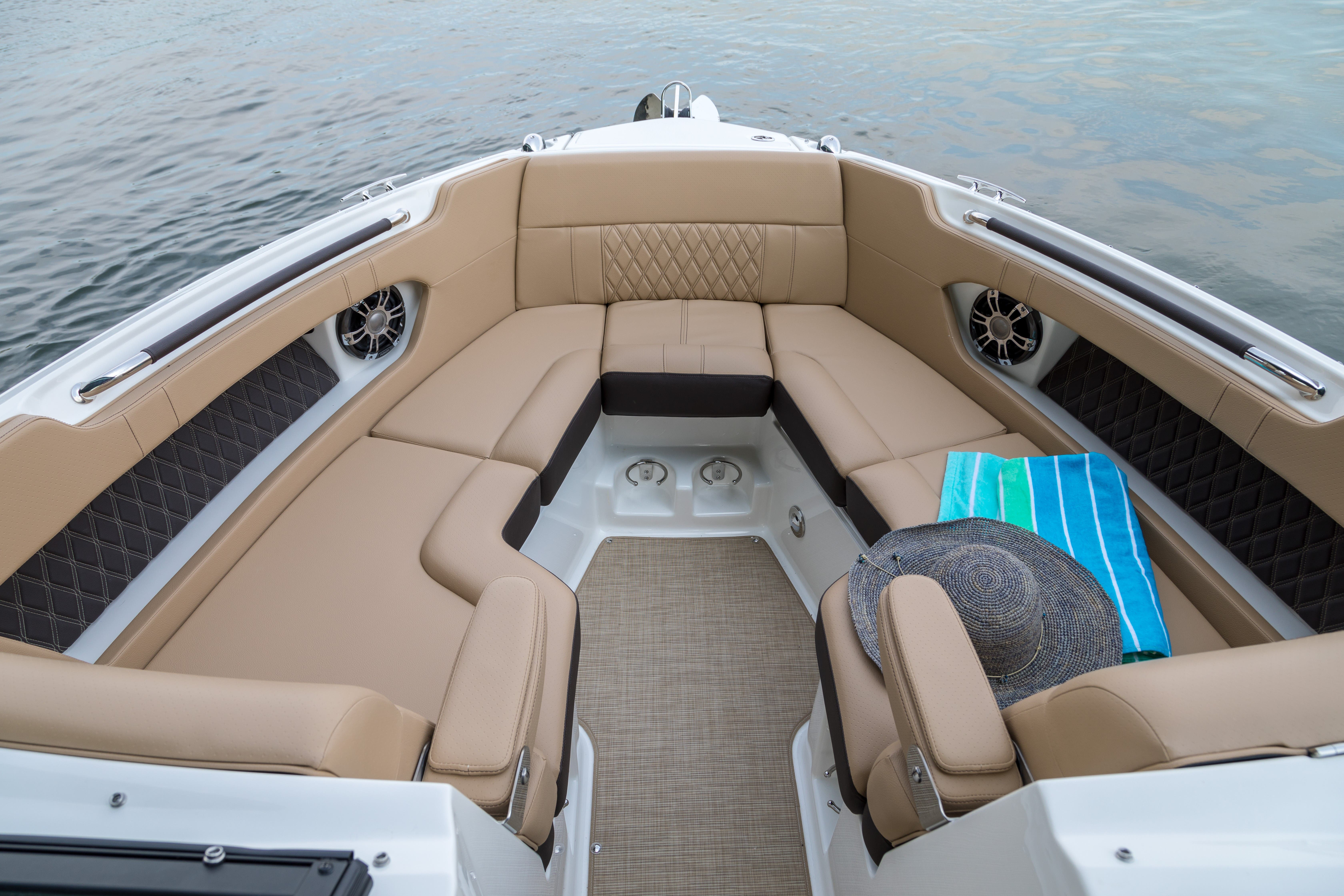 2021 Sea Ray boat for sale, model of the boat is 250 SLX & Image # 4 of 13