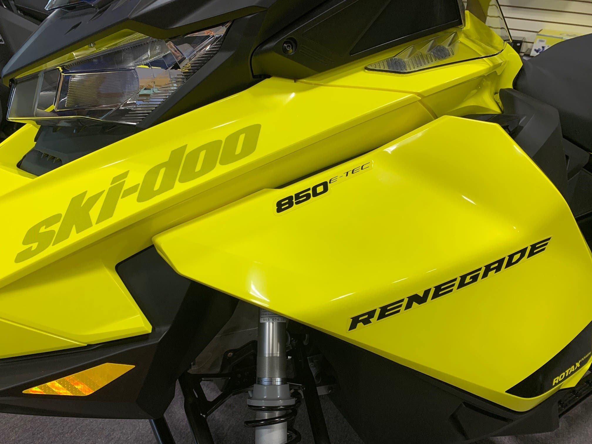 2021 Ski Doo boat for sale, model of the boat is RENEGADE ADR 850 ETEC ES & Image # 3 of 4