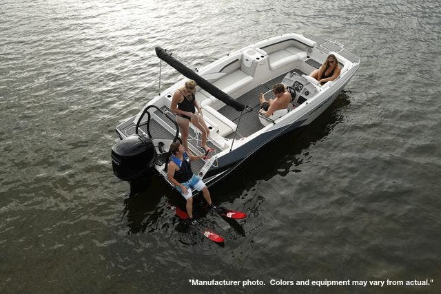 2021 Starcraft boat for sale, model of the boat is 211SVX/OB & Image # 5 of 12