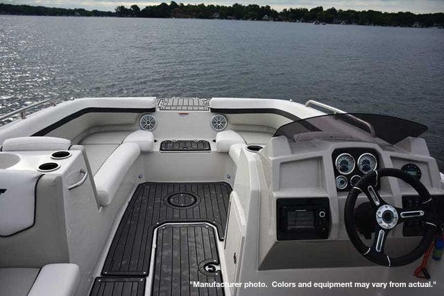 2021 Starcraft boat for sale, model of the boat is 211SVX/OB & Image # 8 of 12