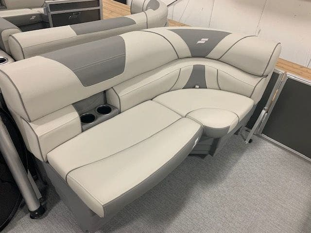 2021 Starcraft boat for sale, model of the boat is EX20R & Image # 4 of 11