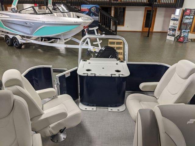 2021 Starcraft boat for sale, model of the boat is EX22FD & Image # 3 of 8