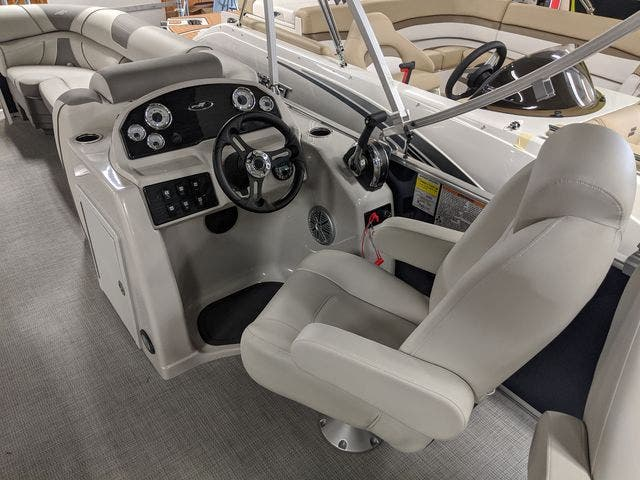 2021 Starcraft boat for sale, model of the boat is EX22FD & Image # 4 of 8