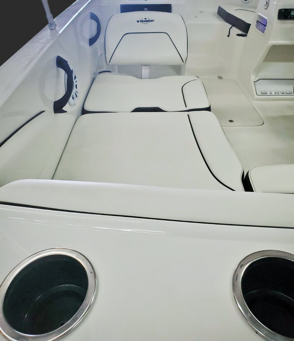 2022 Stingray boat for sale, model of the boat is 172SC & Image # 12 of 18
