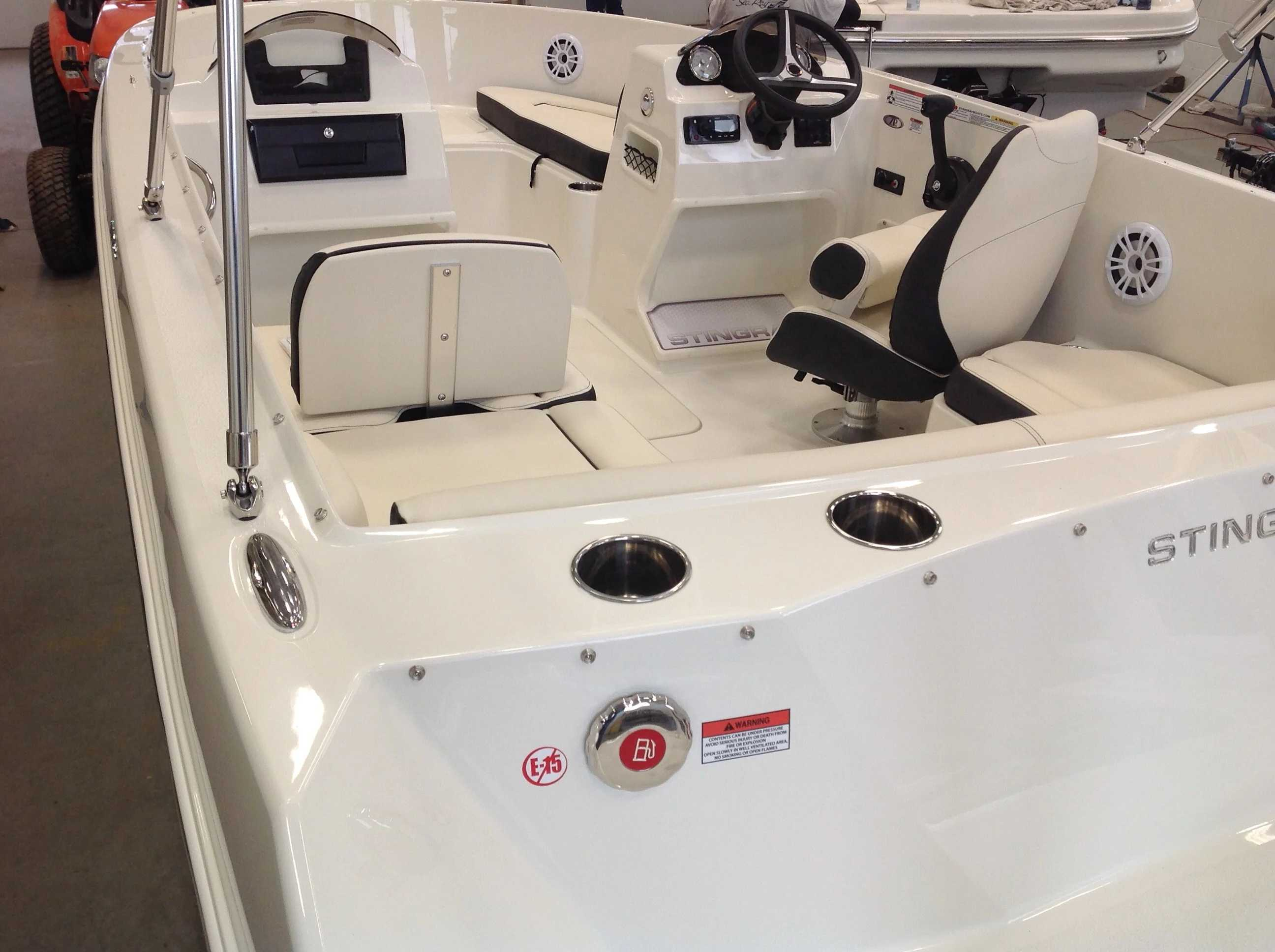 2022 Stingray boat for sale, model of the boat is 172sc & Image # 11 of 17