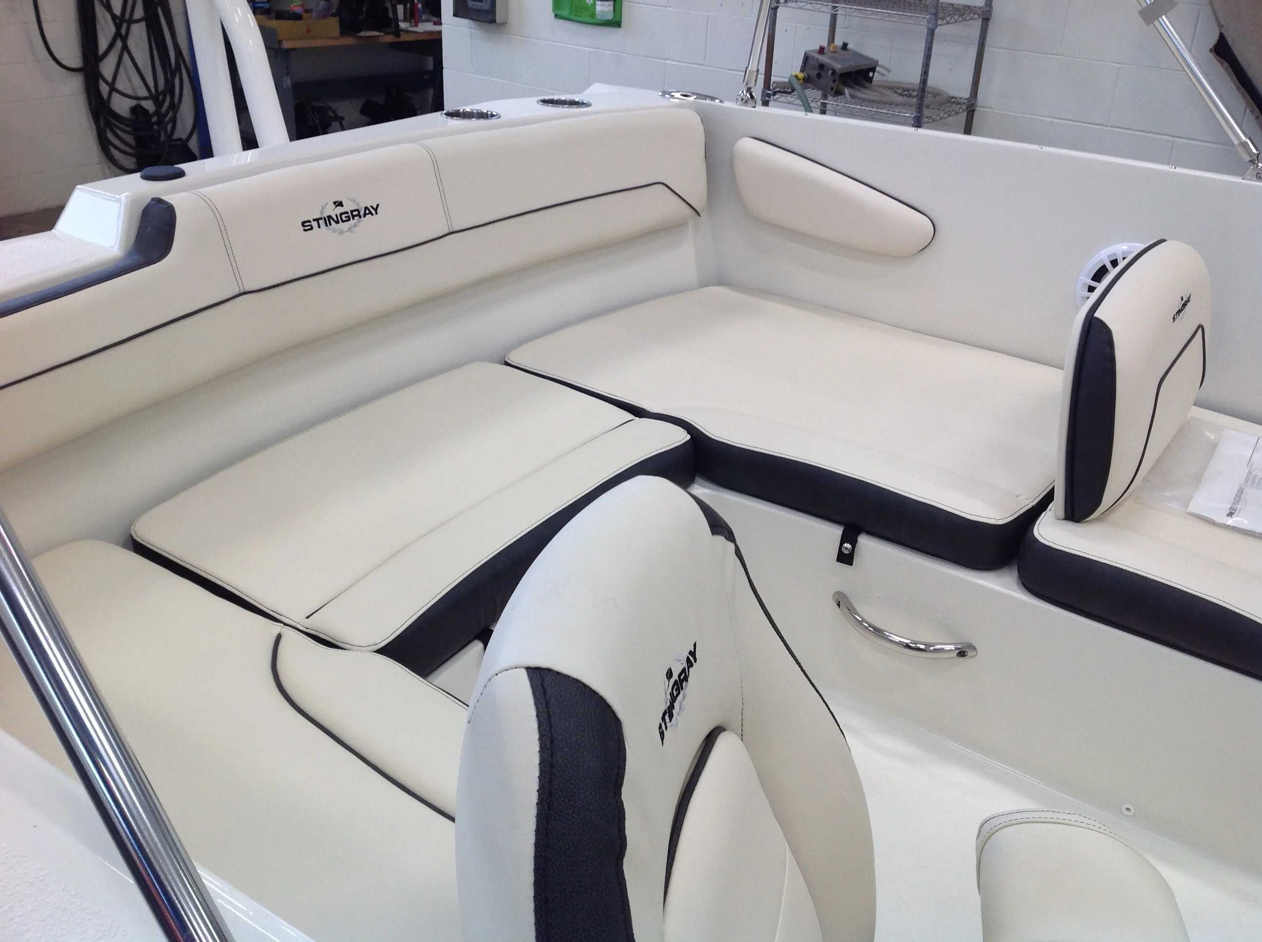 2022 Stingray boat for sale, model of the boat is 172sc & Image # 15 of 17