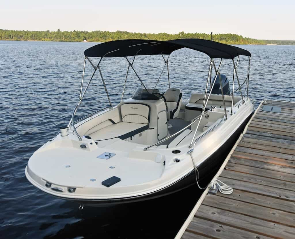 2021 Stingray boat for sale, model of the boat is SC & Image # 5 of 8