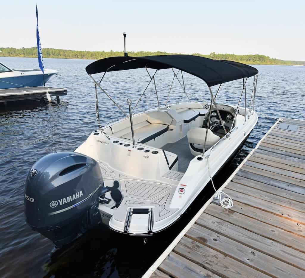 2021 Stingray boat for sale, model of the boat is SC & Image # 7 of 8