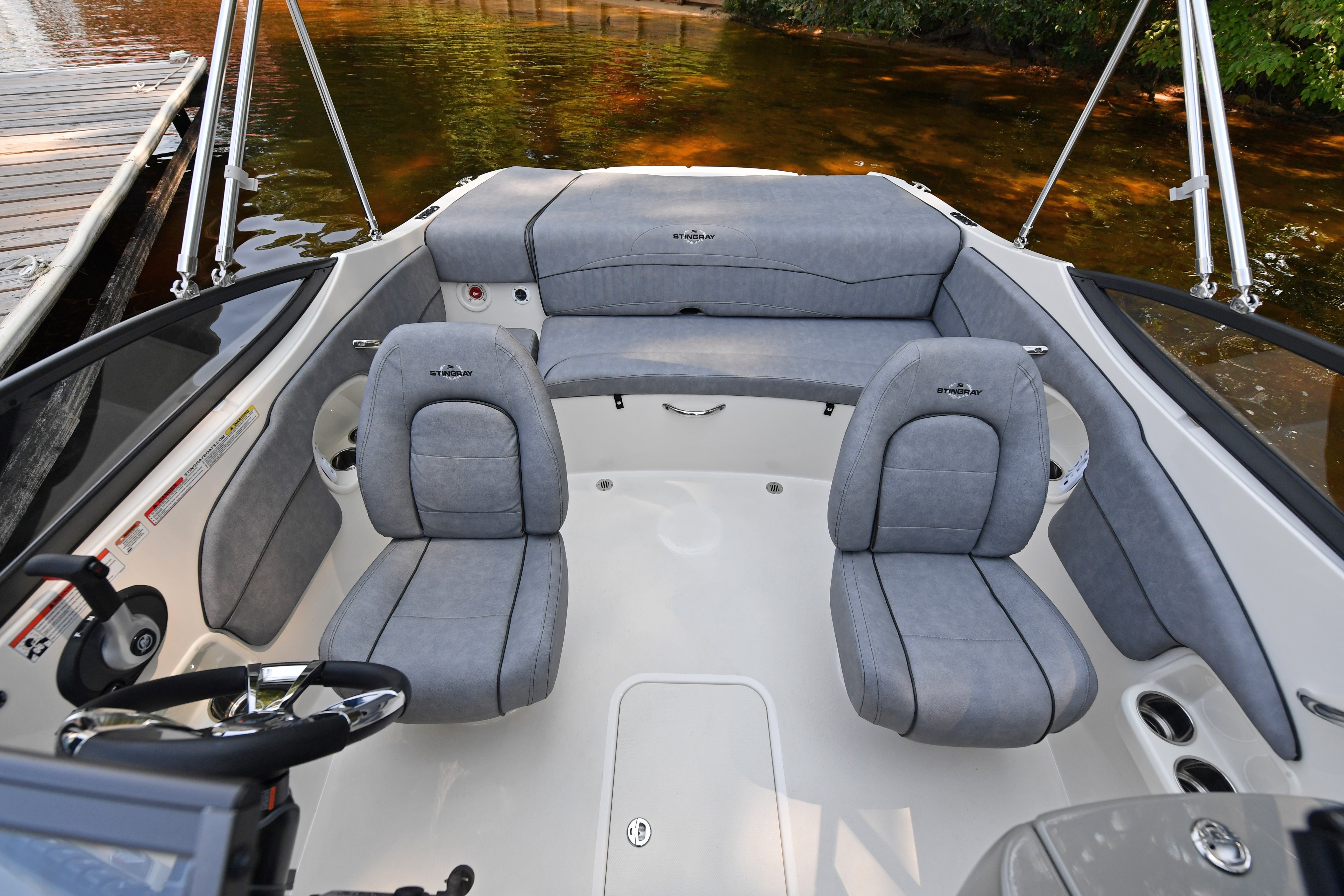 2021 Stingray boat for sale, model of the boat is 198LX & Image # 6 of 11