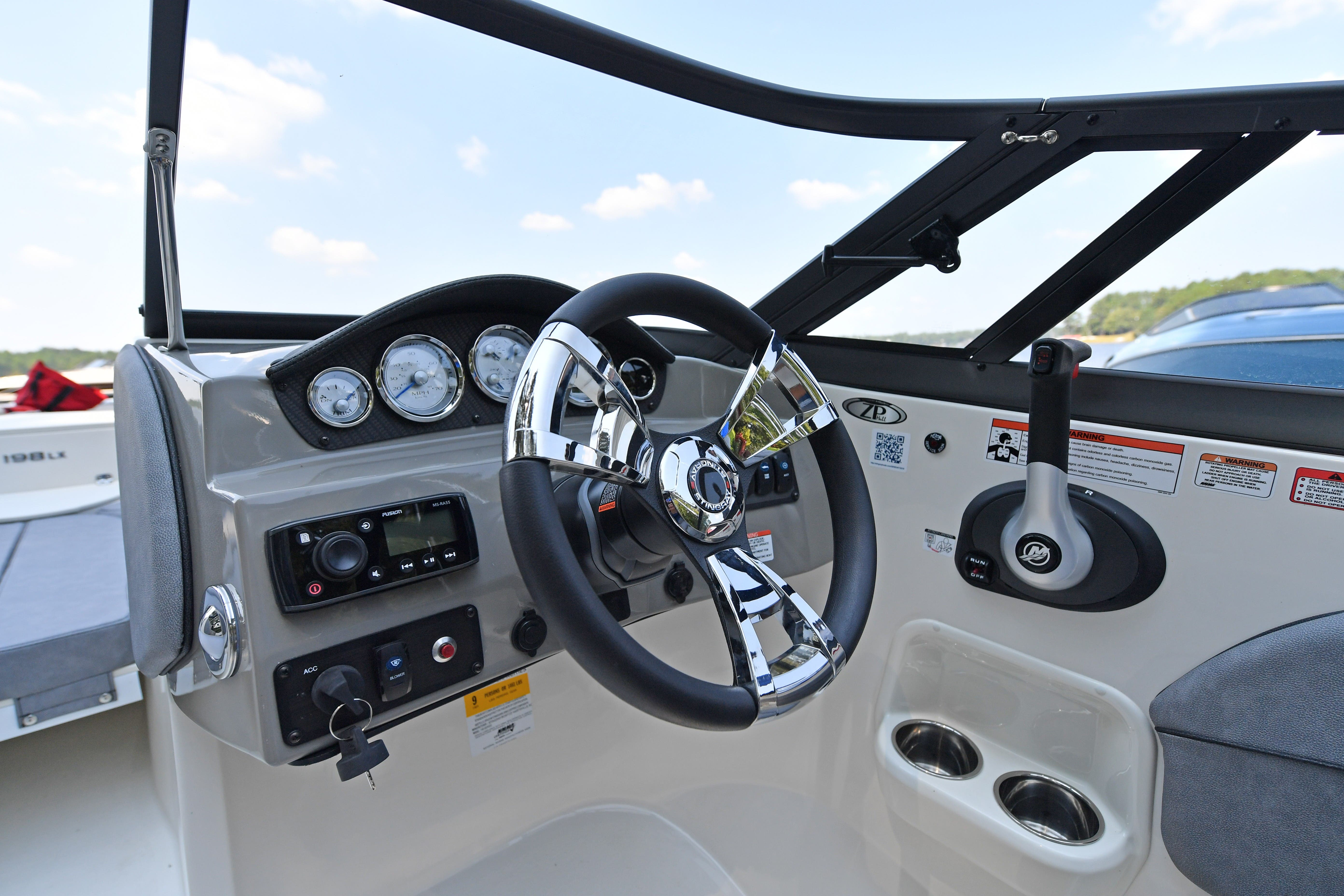 2021 Stingray boat for sale, model of the boat is 198LX & Image # 9 of 11