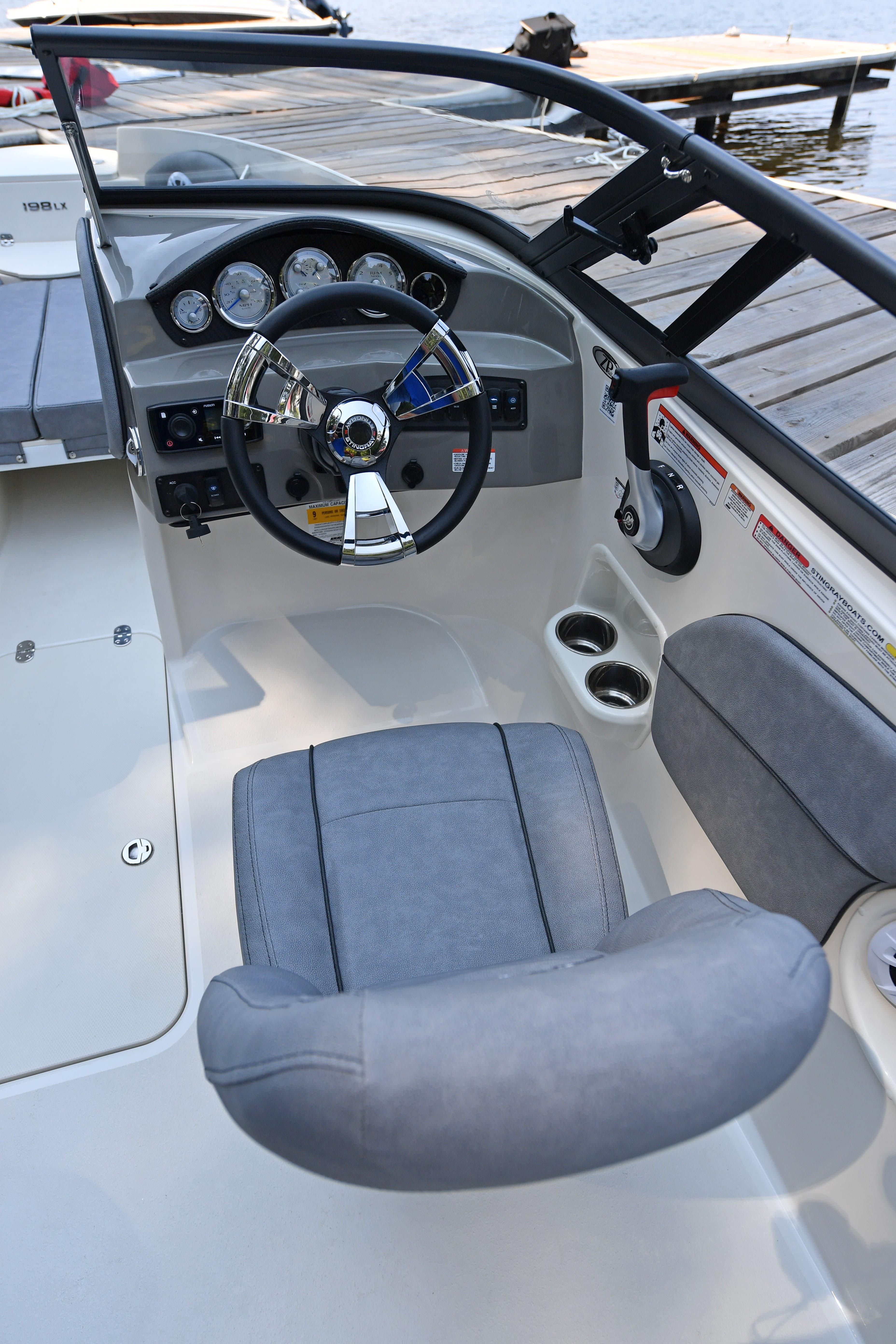 2021 Stingray boat for sale, model of the boat is 198LX & Image # 8 of 11