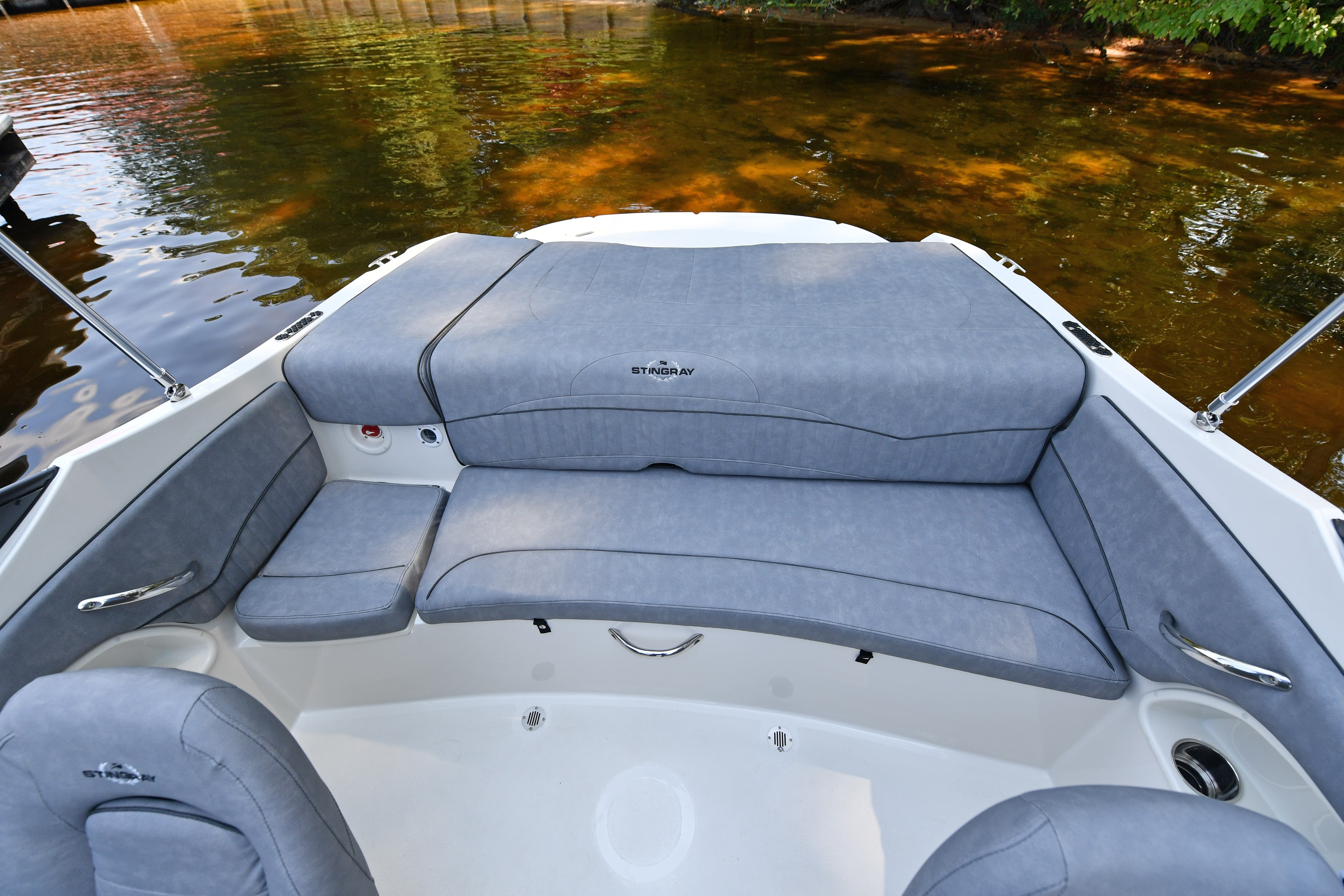 2021 Stingray boat for sale, model of the boat is 198LX & Image # 11 of 11