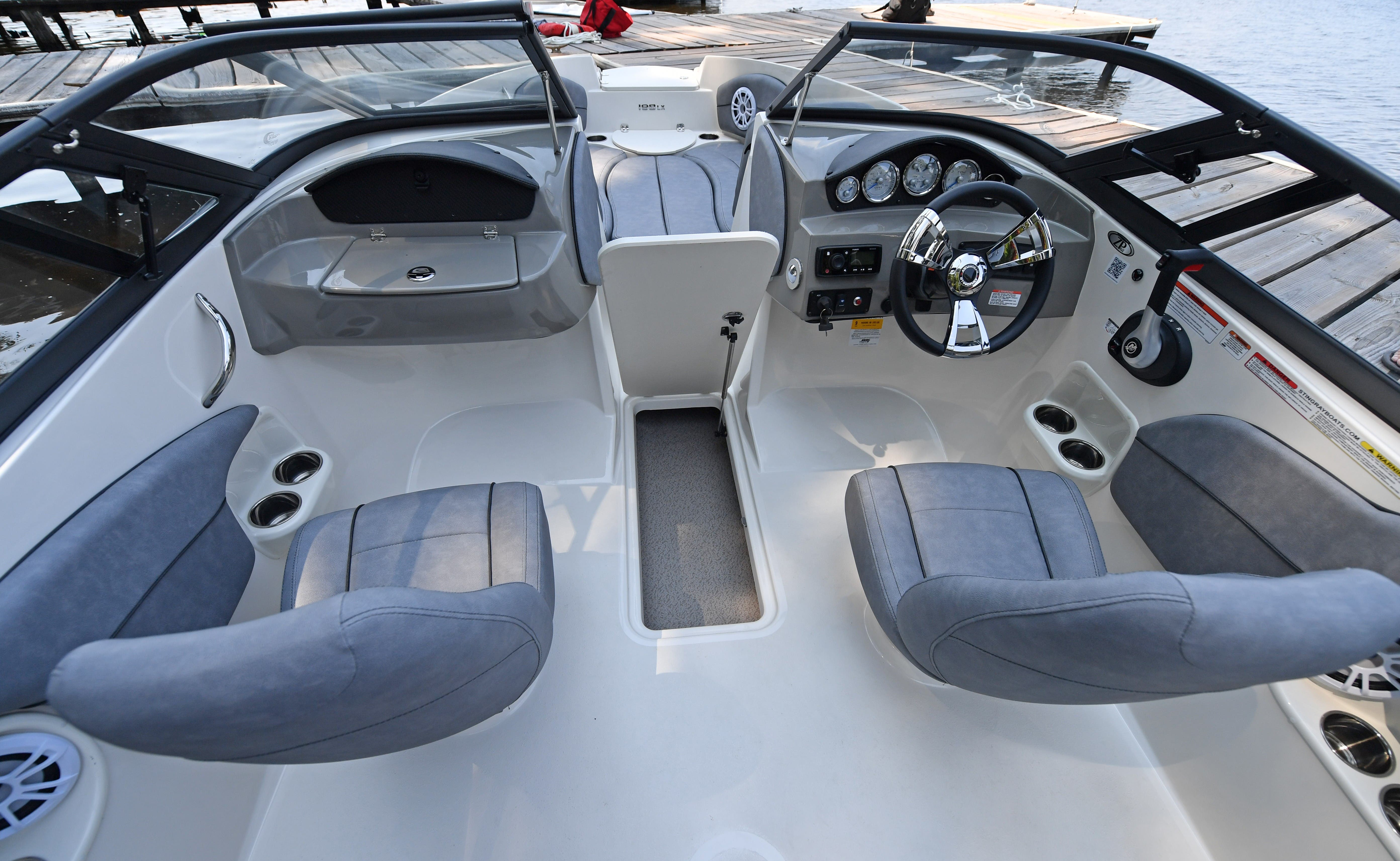 2021 Stingray boat for sale, model of the boat is 198LX & Image # 7 of 11