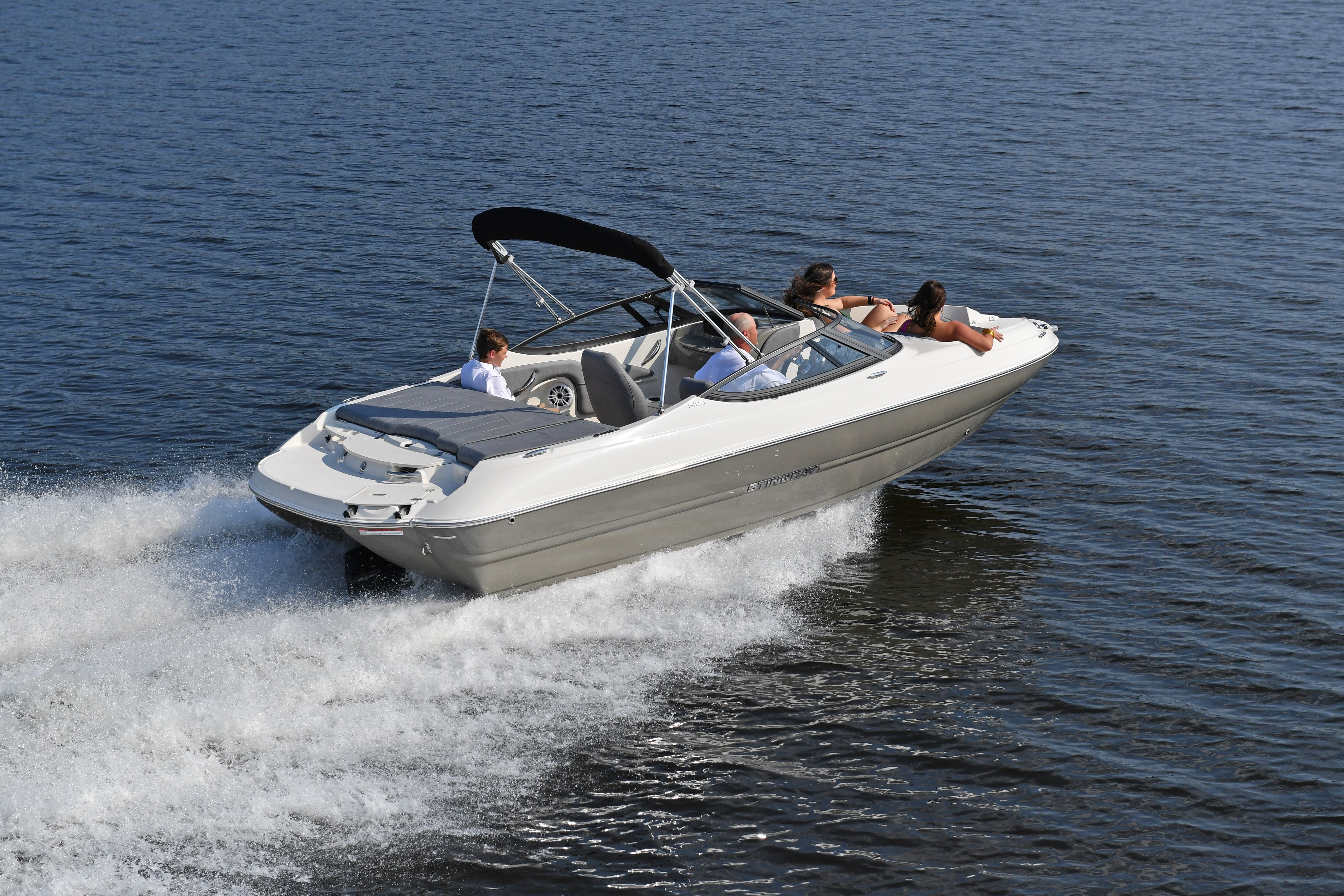 2021 Stingray boat for sale, model of the boat is 198LX & Image # 3 of 11
