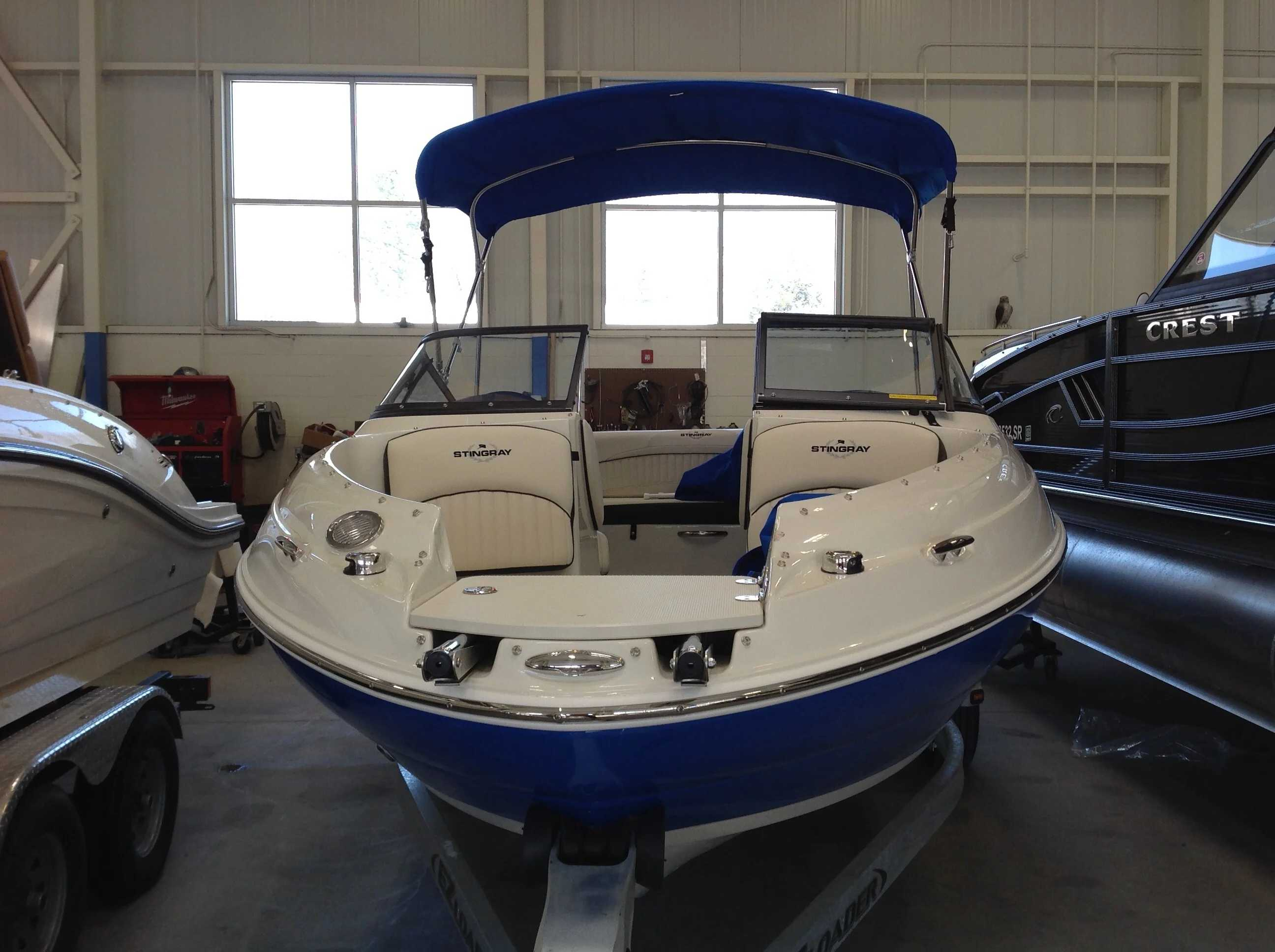 2021 Stingray boat for sale, model of the boat is 198lx & Image # 3 of 14