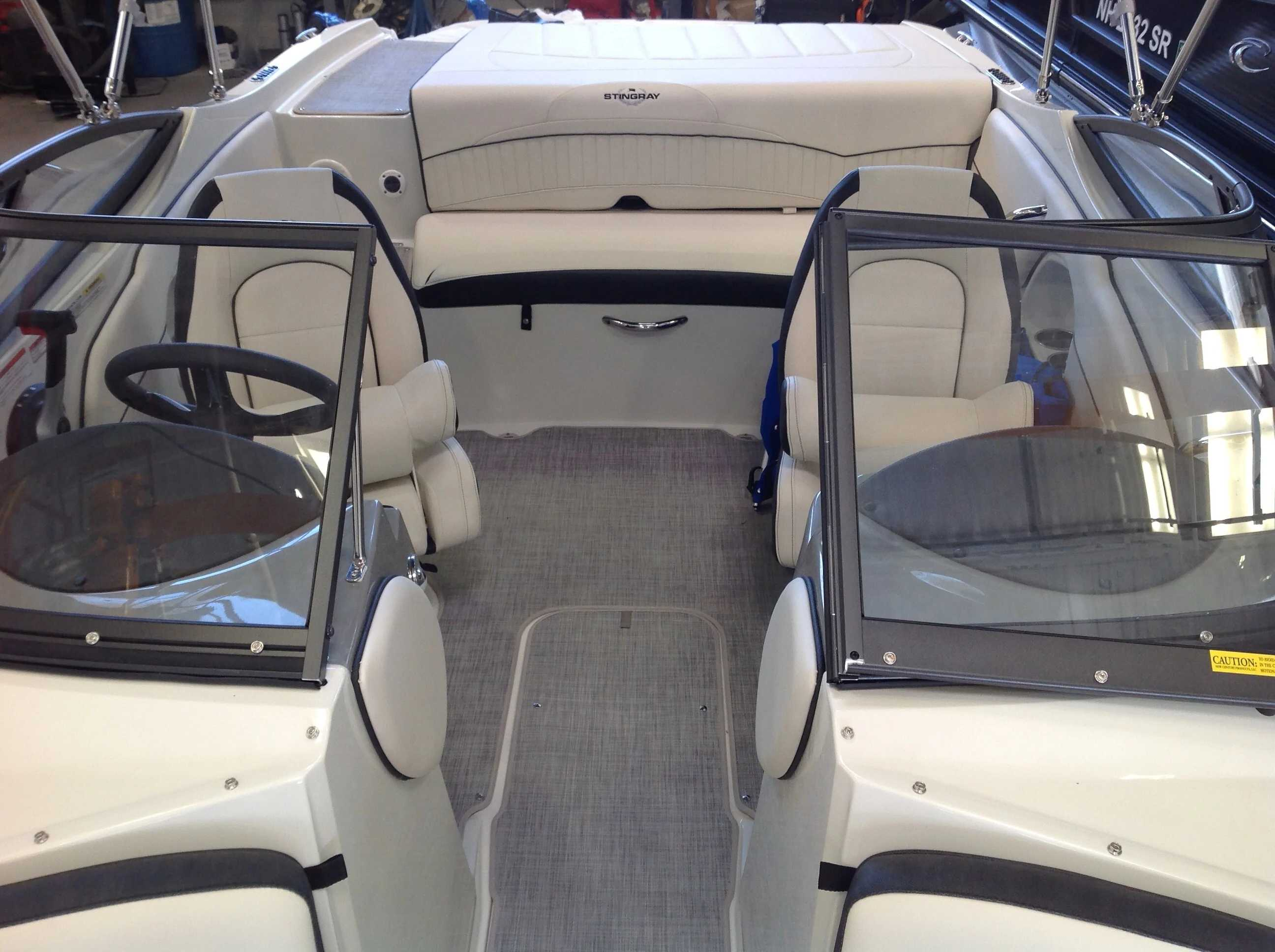 2021 Stingray boat for sale, model of the boat is 198lx & Image # 5 of 14