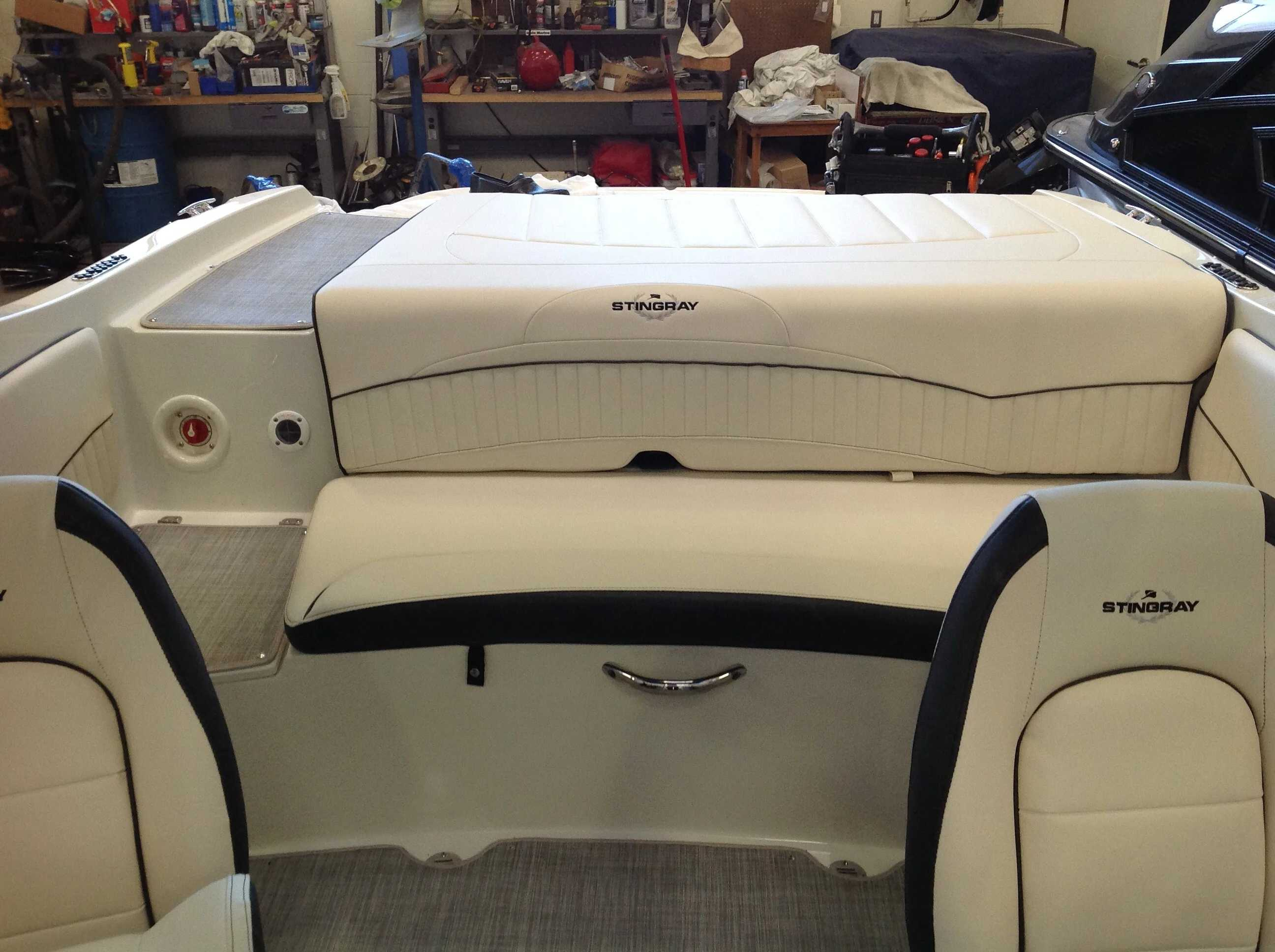 2021 Stingray boat for sale, model of the boat is 198lx & Image # 9 of 14
