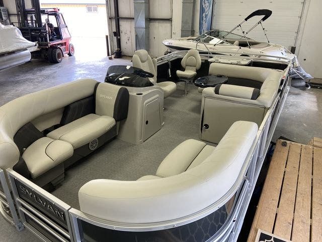 2021 Sylvan boat for sale, model of the boat is 8520MirageCNF & Image # 4 of 7