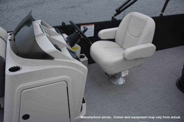2021 Sylvan boat for sale, model of the boat is 8520MirageCRS & Image # 5 of 6